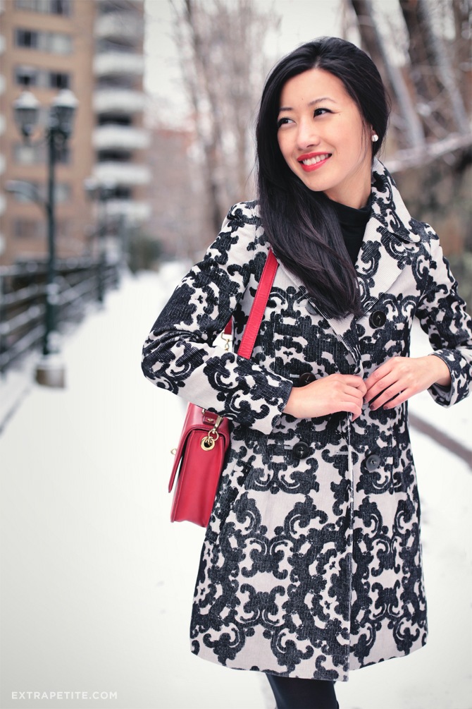 snow day scroll print coat1