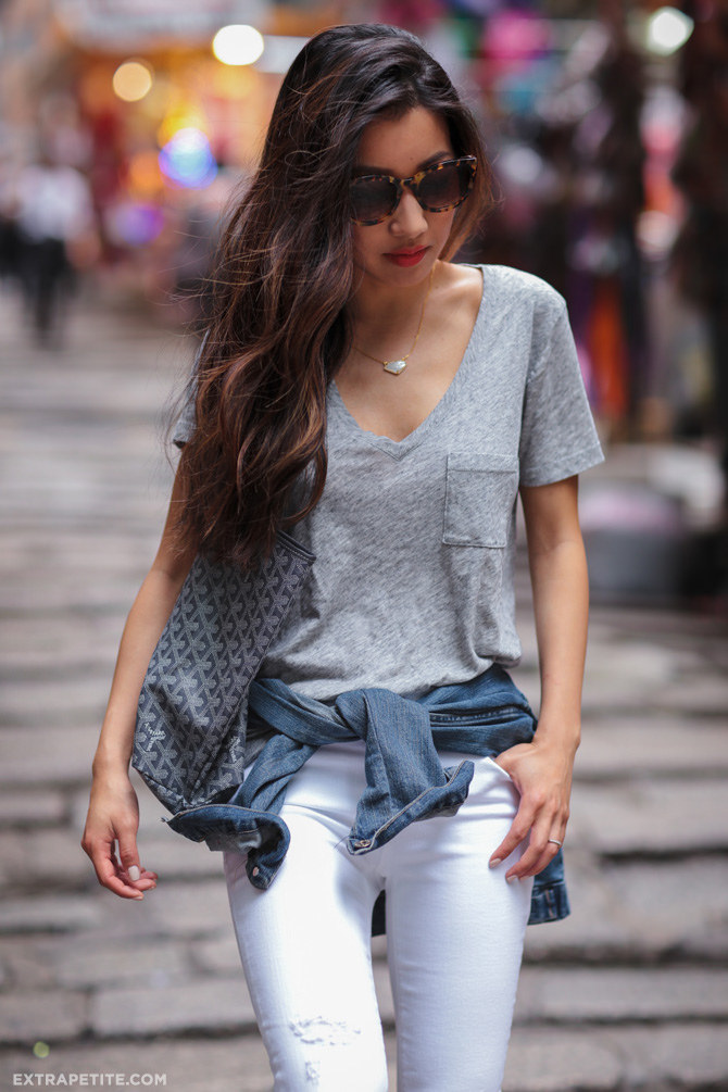 casual travel outfit madewell tee white jeans gray goyard st louis