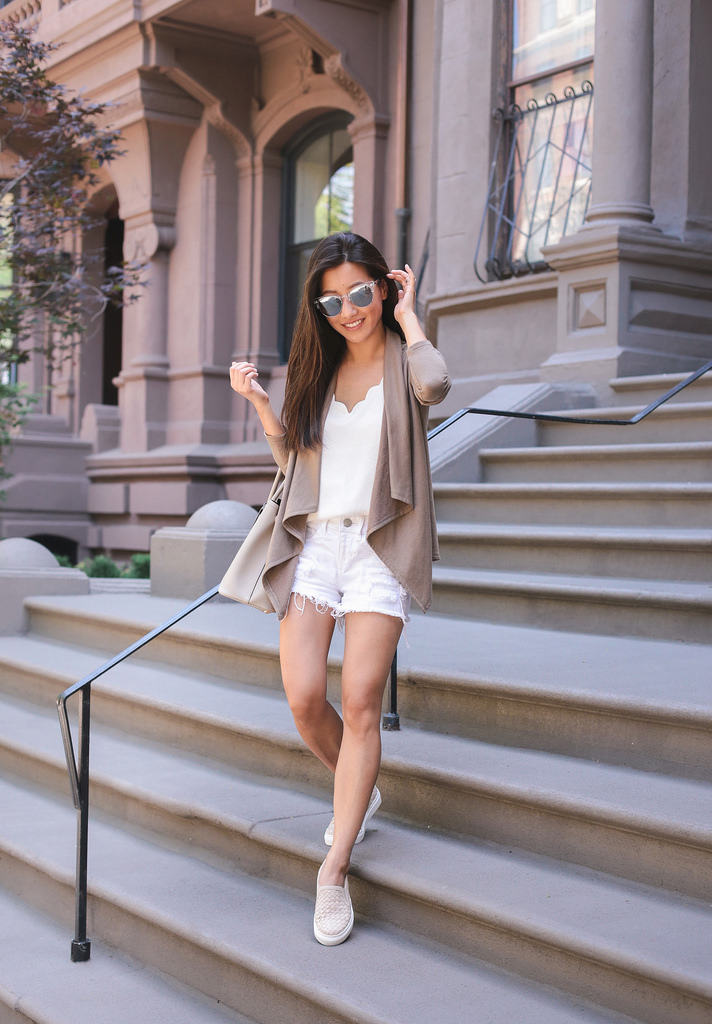 stylish sneaker outfits casual travel style extra petite