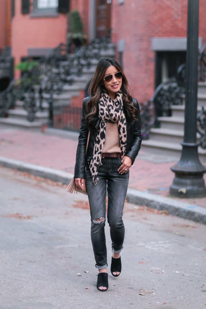 fall fashion leopard scarf gray jeans outfit