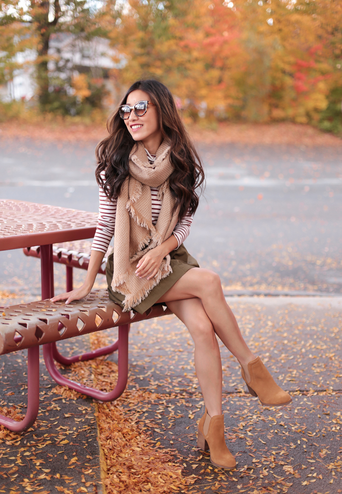 casual preppy fall outfit new hampshire foliage