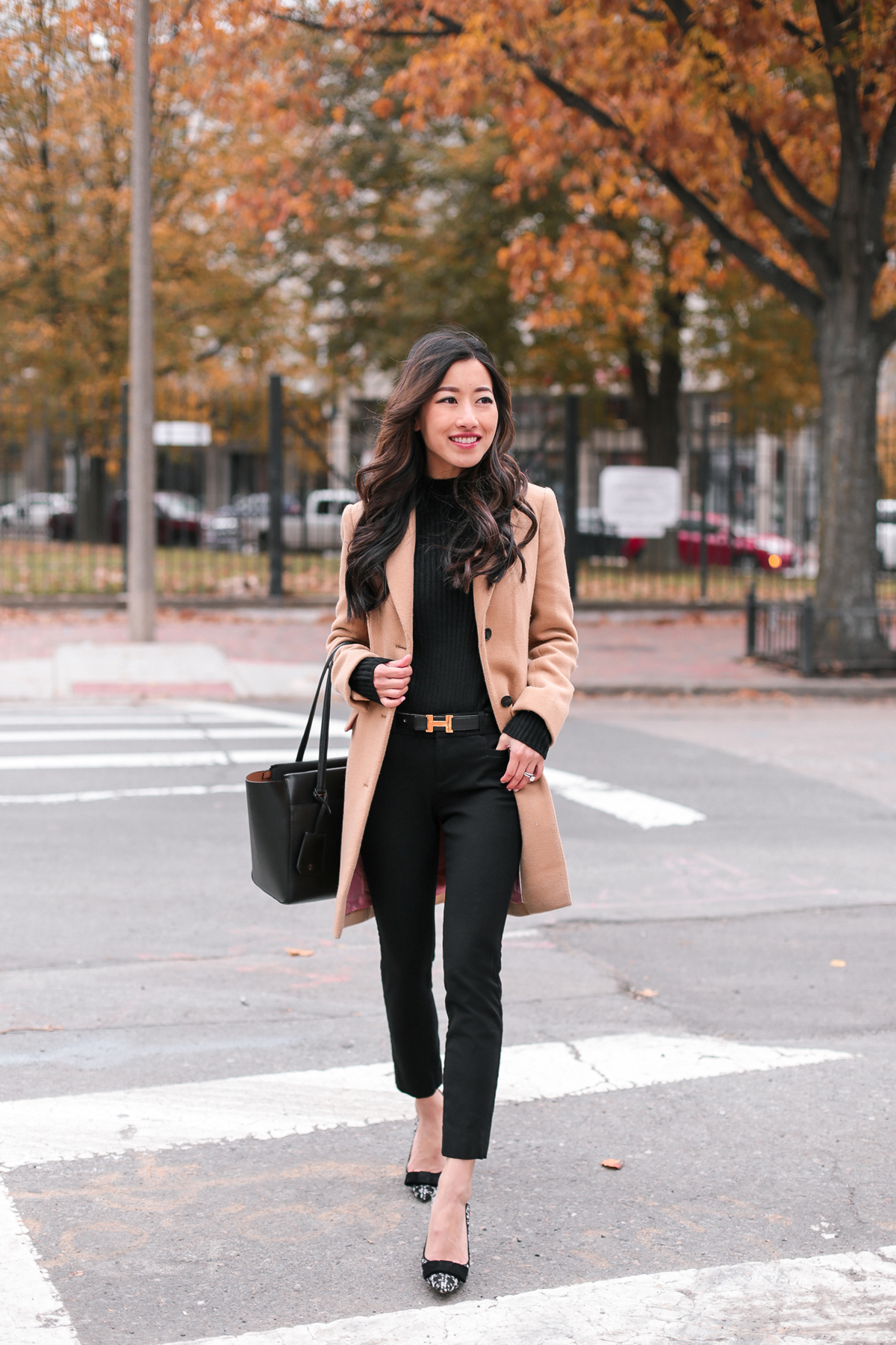classic fall winter fashion_camel coat slimming black pants