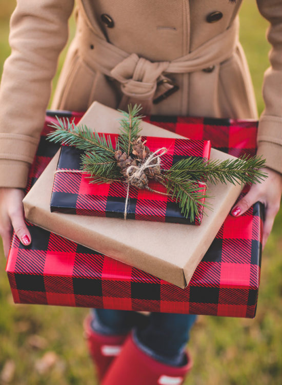 plaid holiday presents gift wrap FS