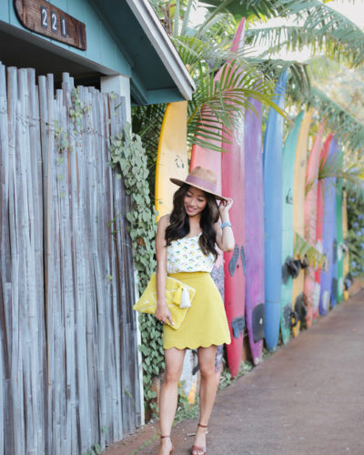 Exploring Paia, Hawaii // Cognac sandals + scalloped skirt