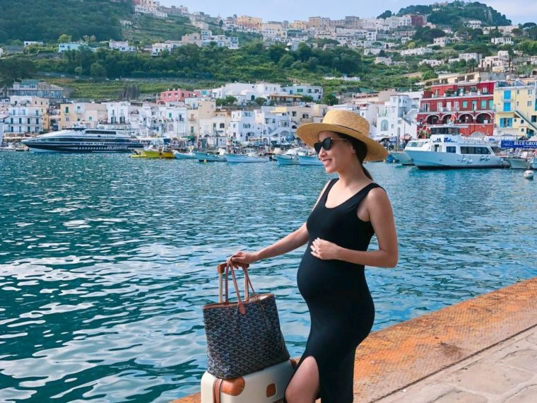 capri amalfi coast vacation travel outfits maternity fashion
