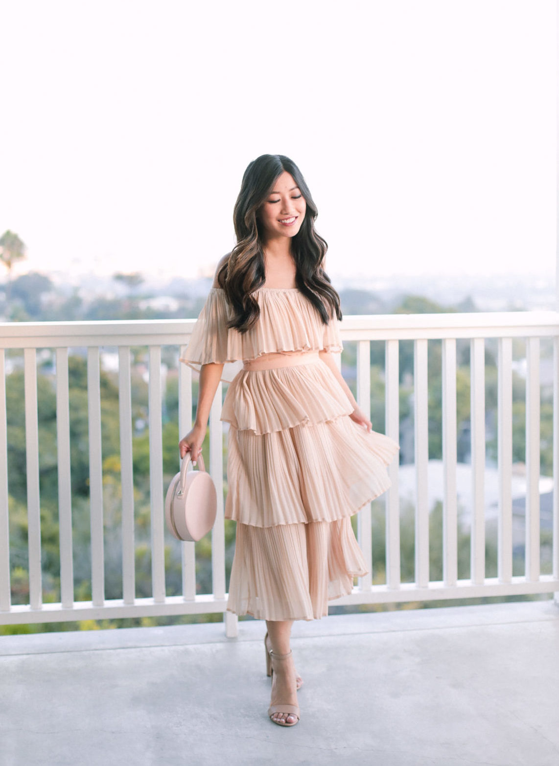 fall wedding style pleated tiered dress outfit ideas