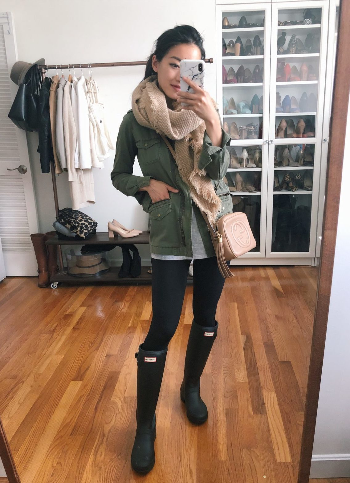 rainy day outfit hunter tour boots petite black leggings