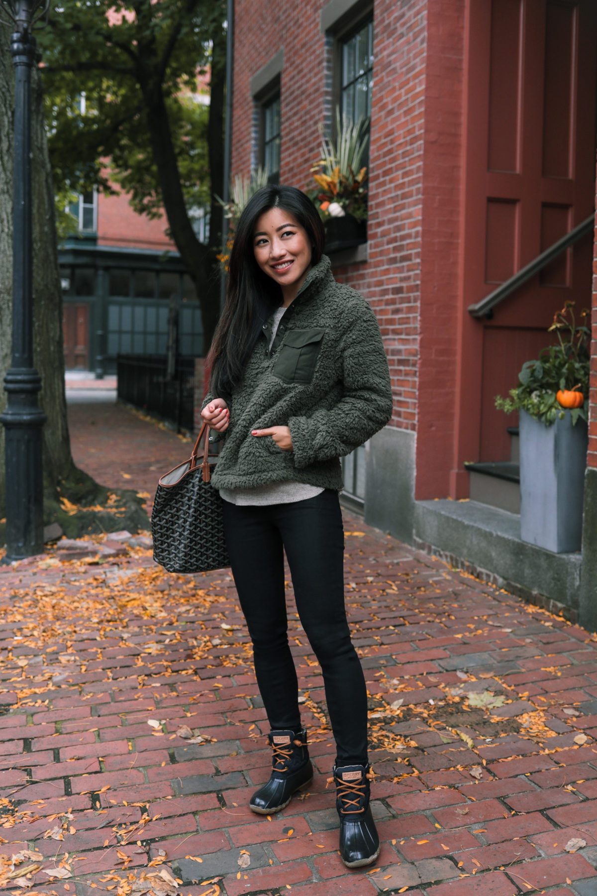 fall fleece outfit with sperry saltwater duck boots