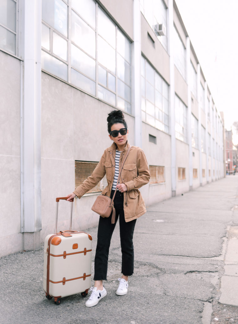 airport travel outfit veja sneakers petites