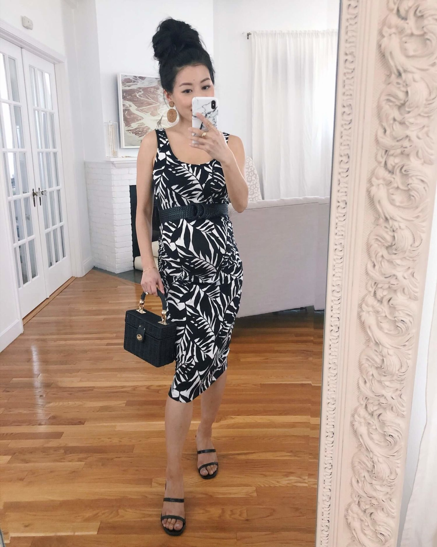 affordable summer maternity outfit for petites