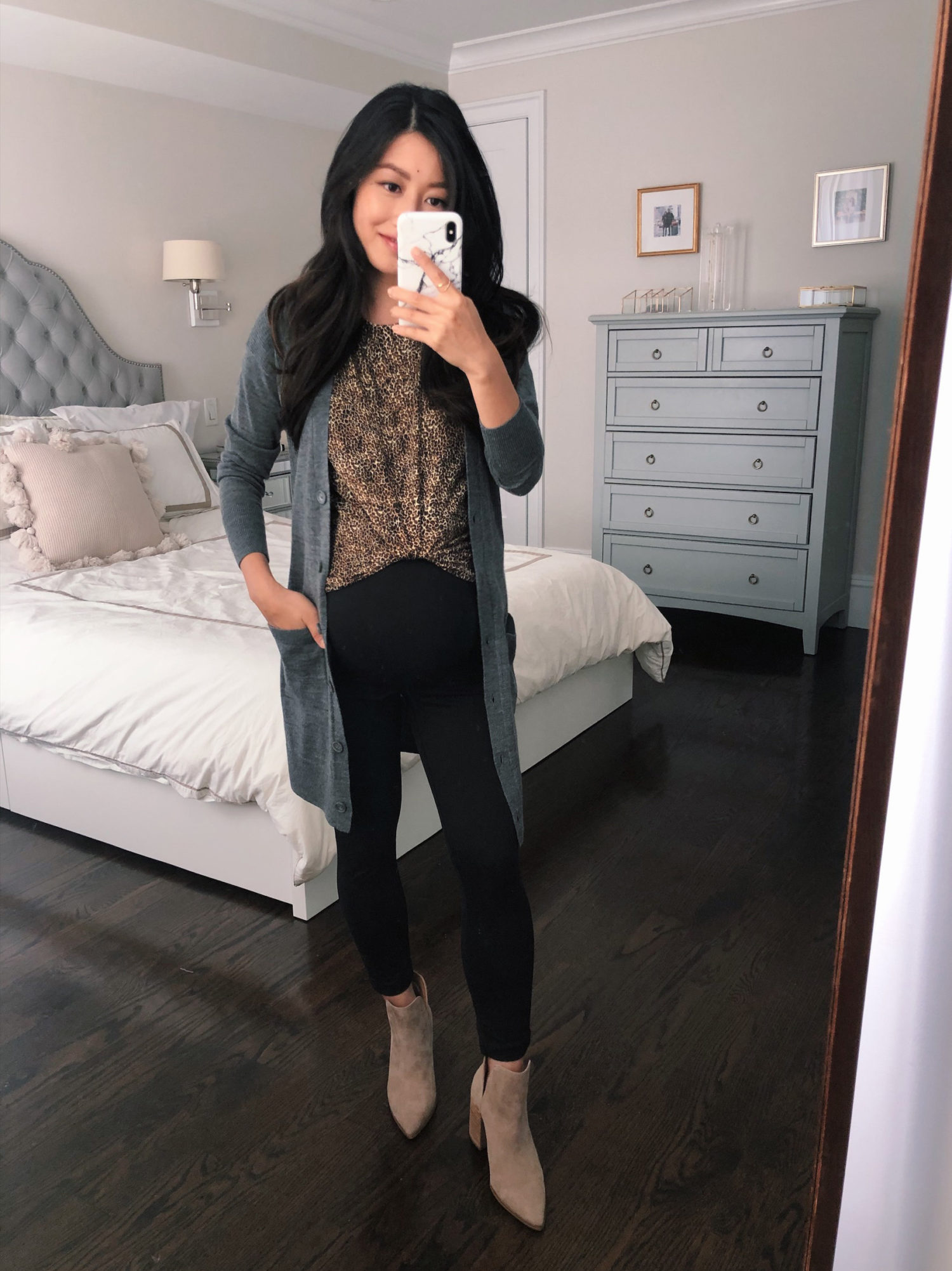 how to style a leopard print tee